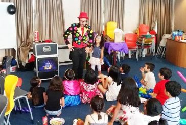 Children Party Magician - Mesmerizing The Mob